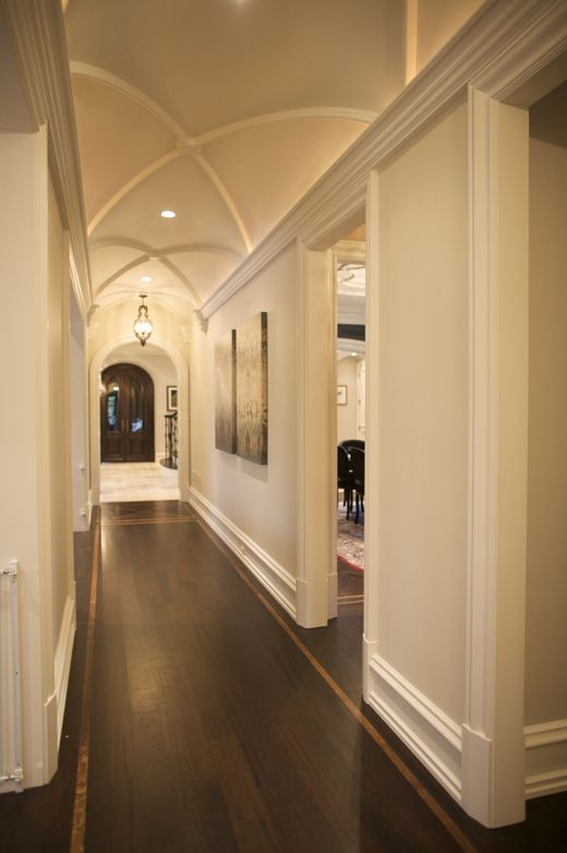 Love the light walls, dark floors and groin vault! | moulding ideas ...