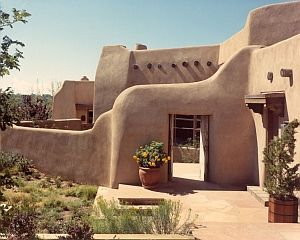 Southwest Style Pueblo Desert Adobe Home The Enduring Appeal Of Santa Fe Hayslip Design Associates