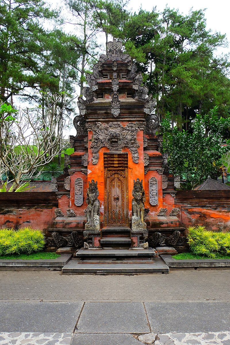 Pura Tirta Empul Is A Temple Pura In The Village Of Tampaksiring Northeast Of Ubud Regency Gianyar Bali Indonesi Water Temple Temple Bali Dream Vacations