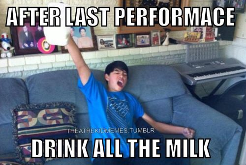 Before the performances start: don't drink the milk, don't eat the donuts, no no for chocolate!
