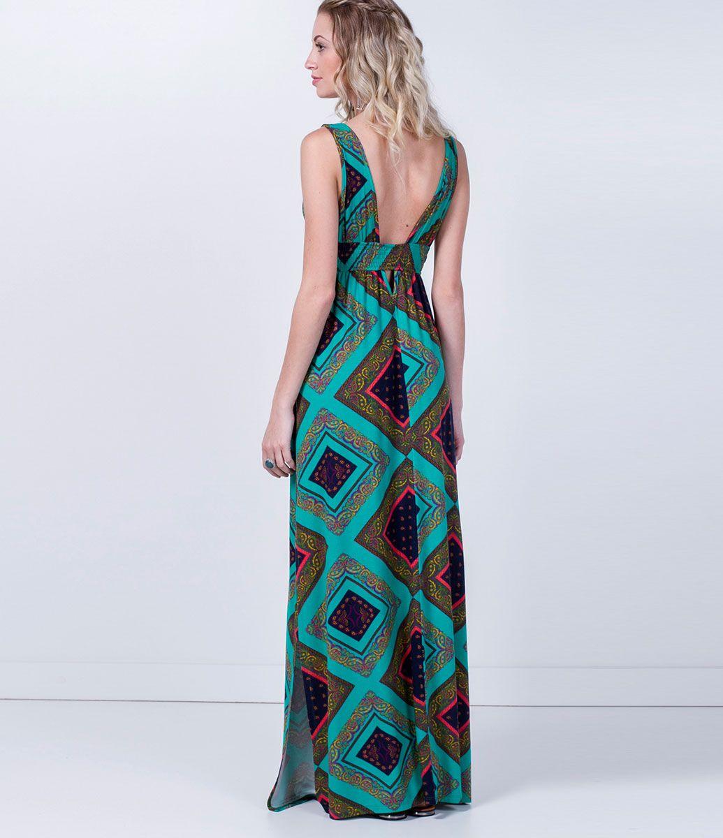 cabdf6909 Vestido feminino Modelo longo Sem manga Fenda lateral Estampado Marca: Blue  Steel Tecido: malha Composição: 96% viscose e 4% elastano Modelo veste  tamanho: ...
