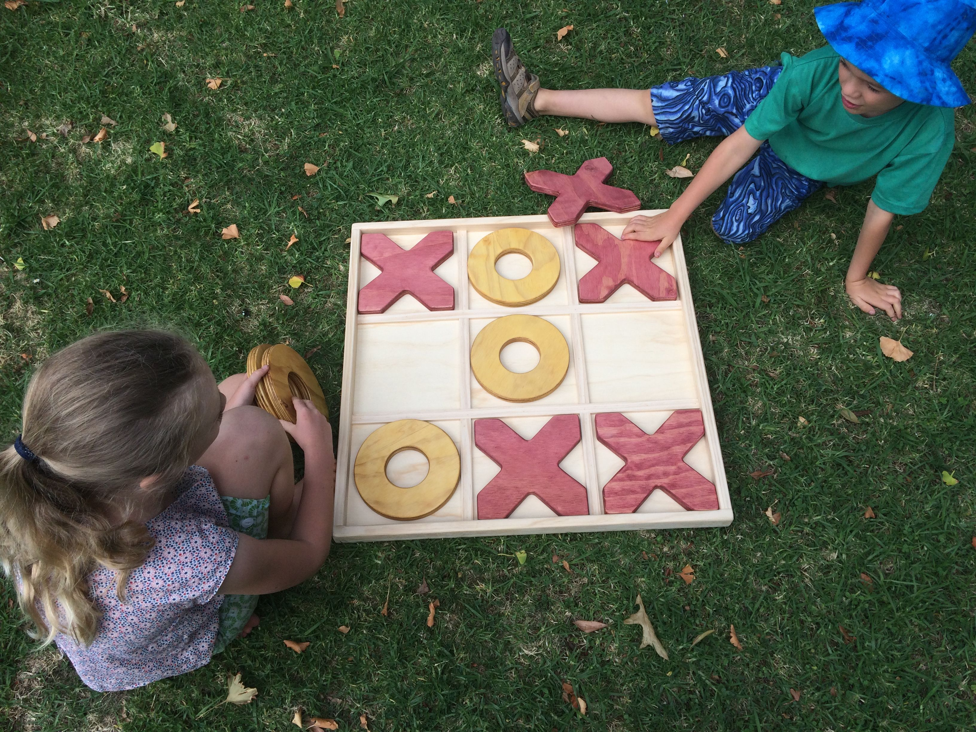 Wooden Games Hire For Weddings And Events Auckland Giant Connect 4 Jenga Quoitsthe Elves And The Woodbotherer Wooden Games Giant Games Traditional Games