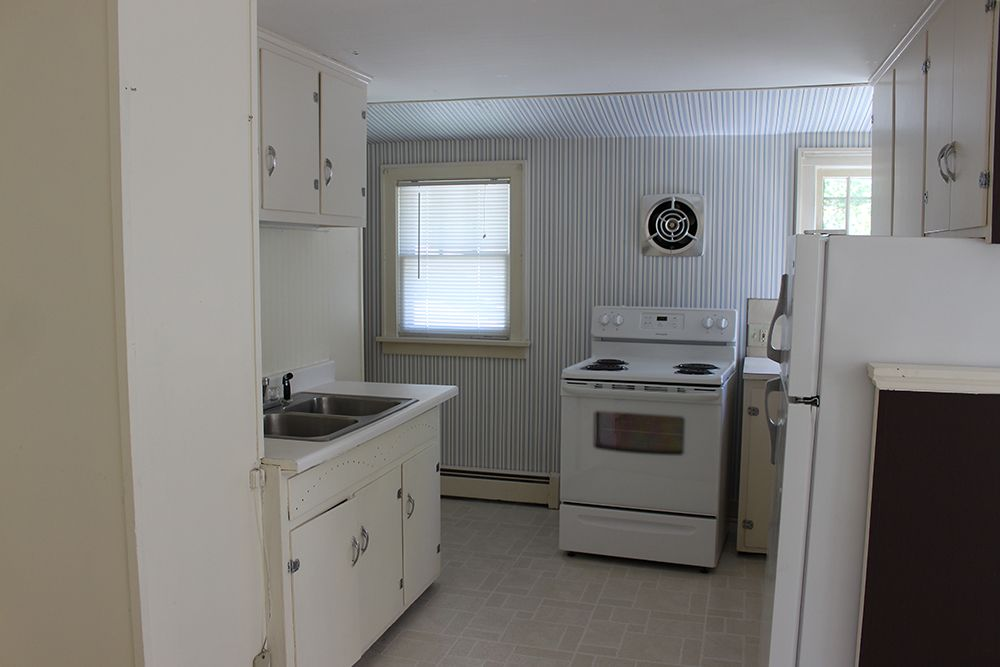 1 Bedroom Apartment For Rent In Rhinelander 500 A Month Plus 500 Security Deposit Tenant Pays Electric H 1 Bedroom Apartment Apartments For Rent Apartment