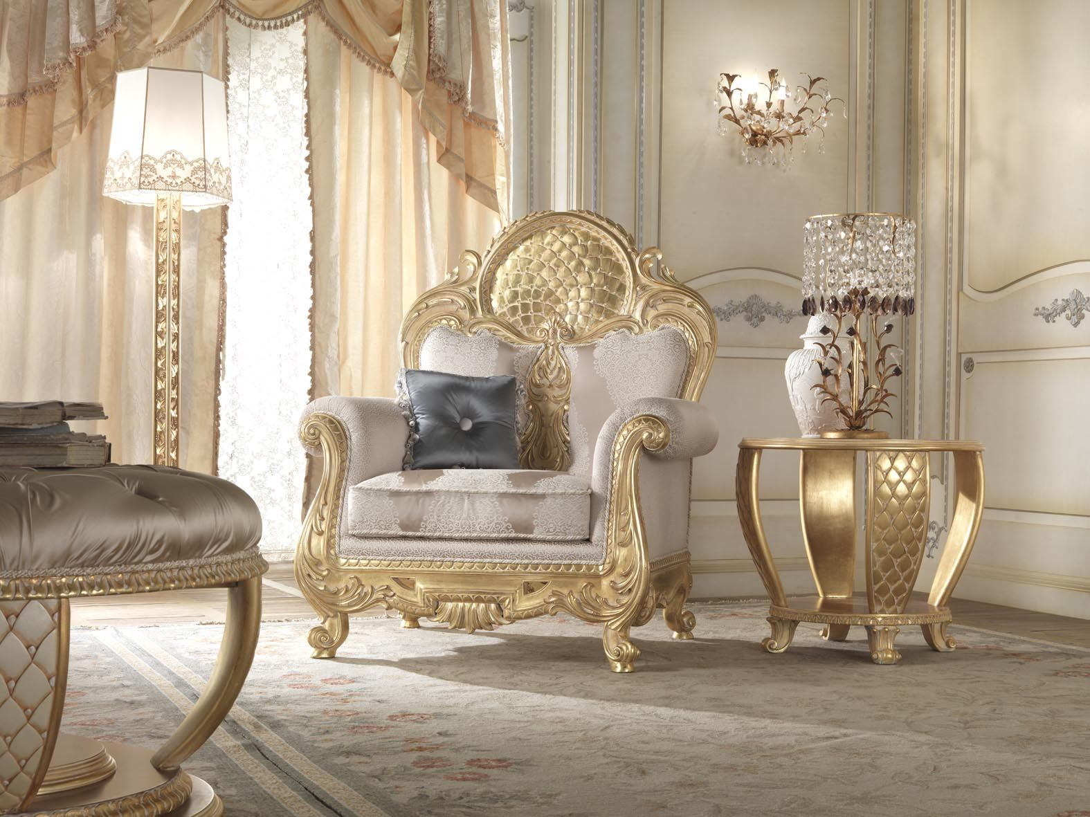Classic Italian Furniture Top And Best Companies In Italy Egypt And France Classical Interior Classic Furniture Design Luxury Seating