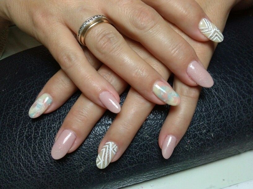 Nice Pastel Almond Nails Motif - Nail Paint Design Ideas ...