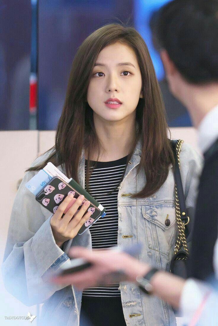 Pin by Yoon Sunhee on Jisoo   Blackpink fashion, Blackpink jisoo ...