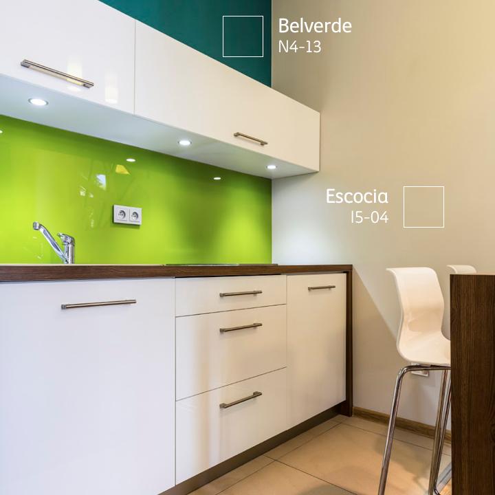 Dale más vida a tu cocina jugando con los #colores de los muebles ...