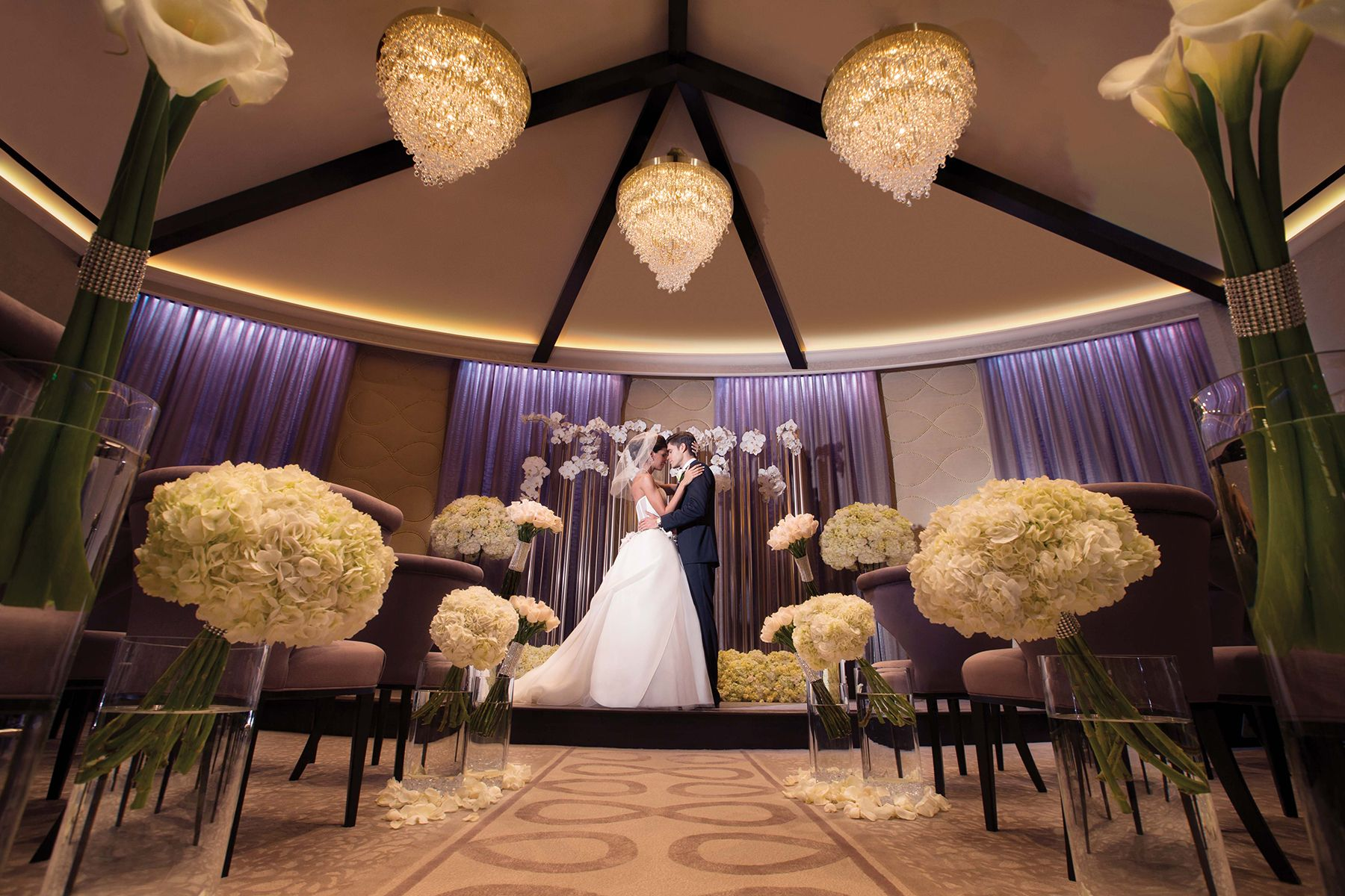 Aria Knows Weddings Our Contemporary Designed Wedding Chapel Offers The Perfect Touch Of Modernluxury Like None Other In Vegas