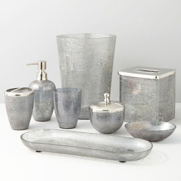Accessoires fürs Bad, die eine einheitliche Badeinrichtung