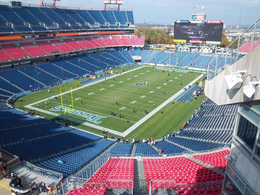 Tennessee Titans Lp Field Http Hopamerica Com Lp Field Nashville Tennessee Football Stadium Of The Tenness Nfl Stadiums Tennessee Titans Nfl Football Field
