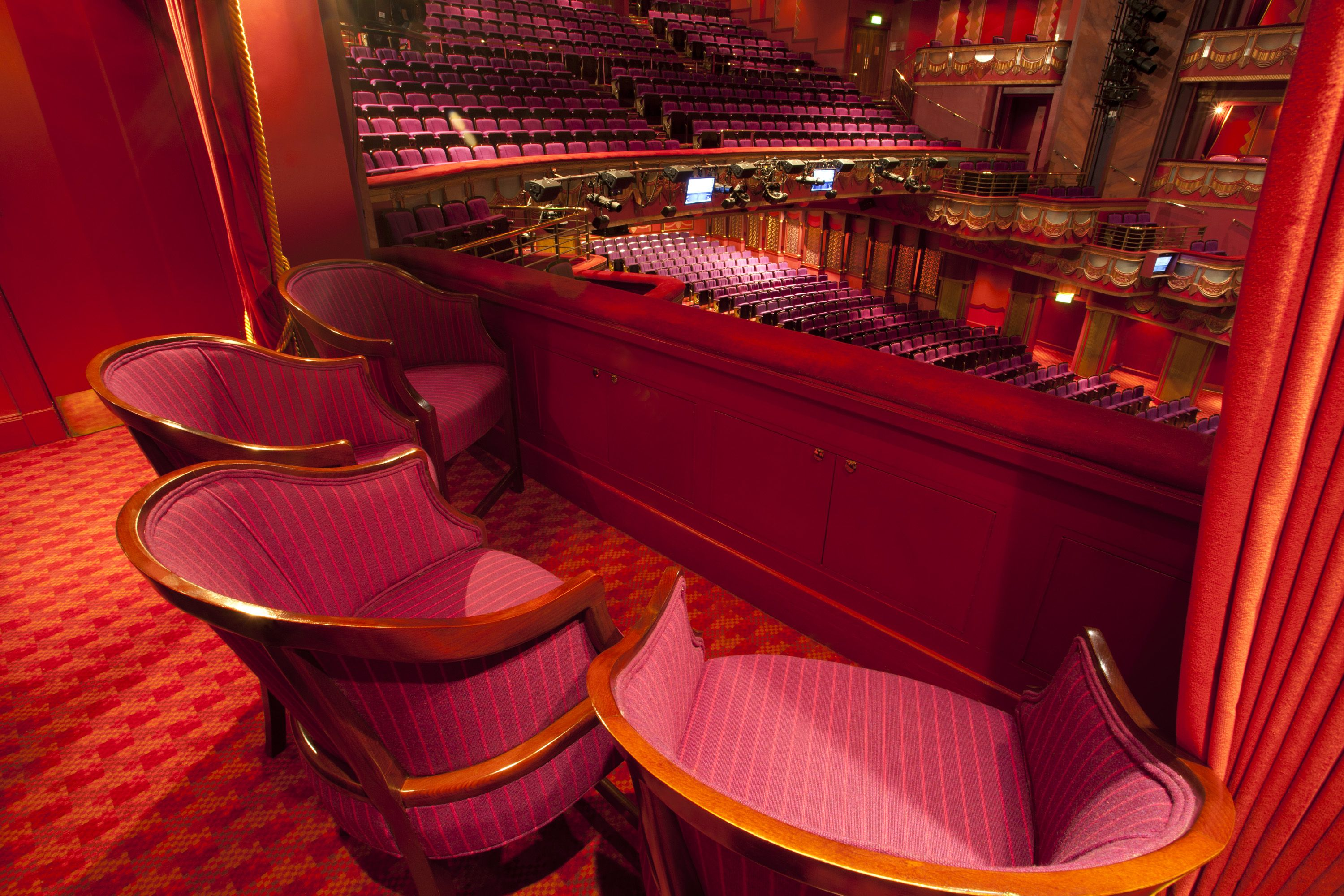 Box Chairs In The Prince Edward Theatre London Prince Edward Theatre Auditorium Pinterest
