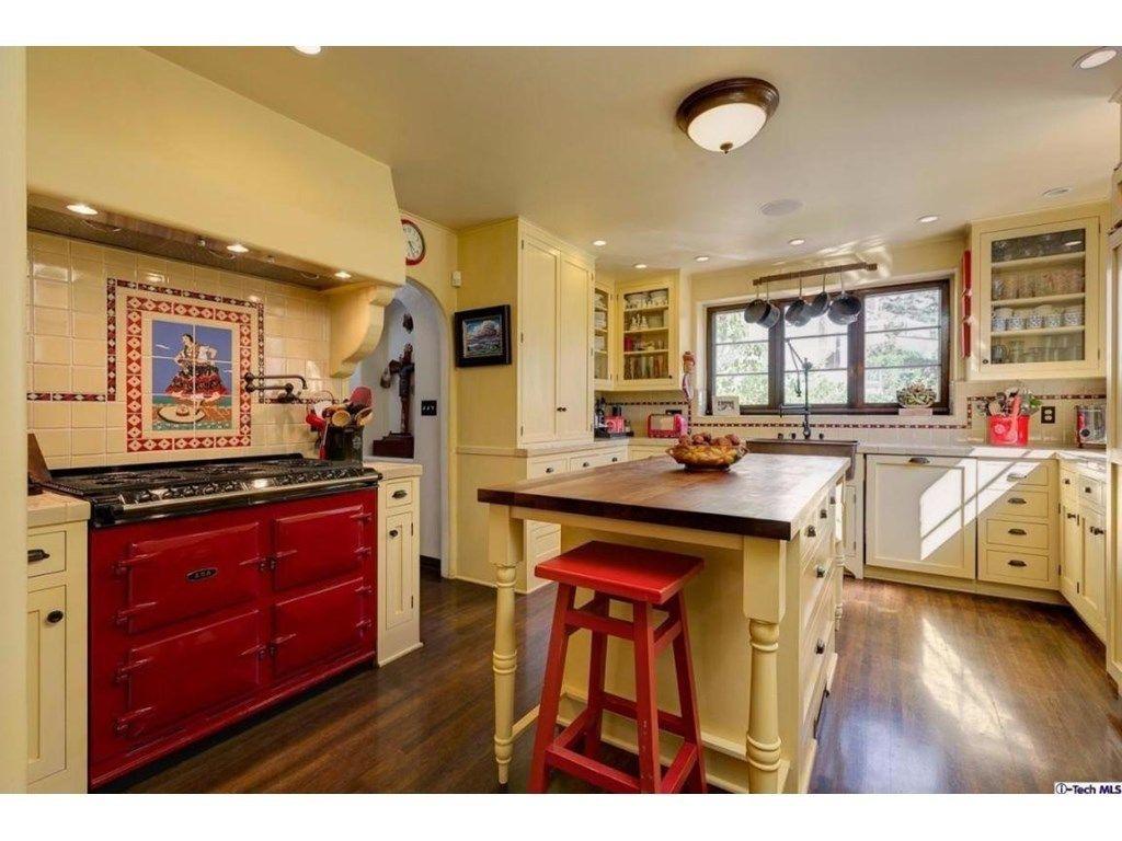 551 Prospect Blvd Pasadena Ca 91103 5 Beds 4 Baths Spanish Revival Kitchen Spanish Style Homes Kitchen Style
