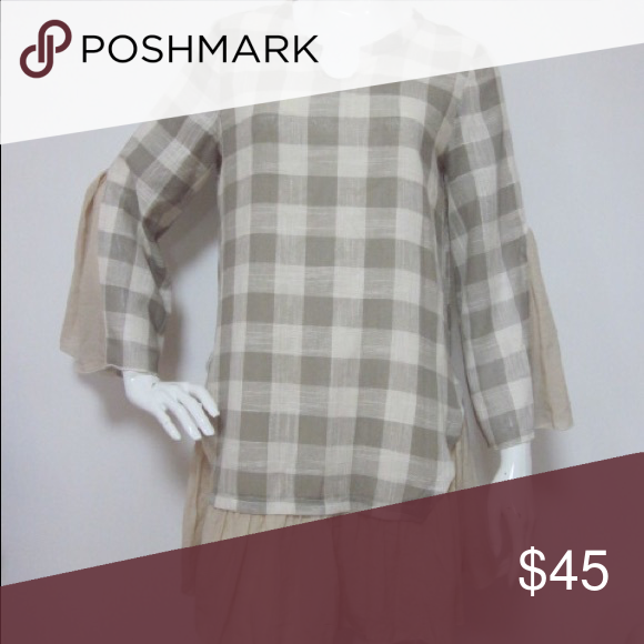 Gray plaid Tunic 1X,2X Love this tunic.. light weight with gray and beige tones with ruffle Tops Tunics