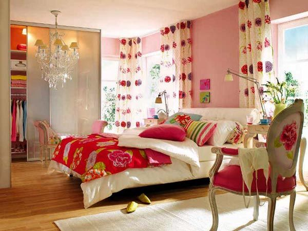 15 Colorful Bedroom Designs Cheerful And Bright Bedroom Colors Bright Bedroom Colors Bedroom Colors Bedroom Design
