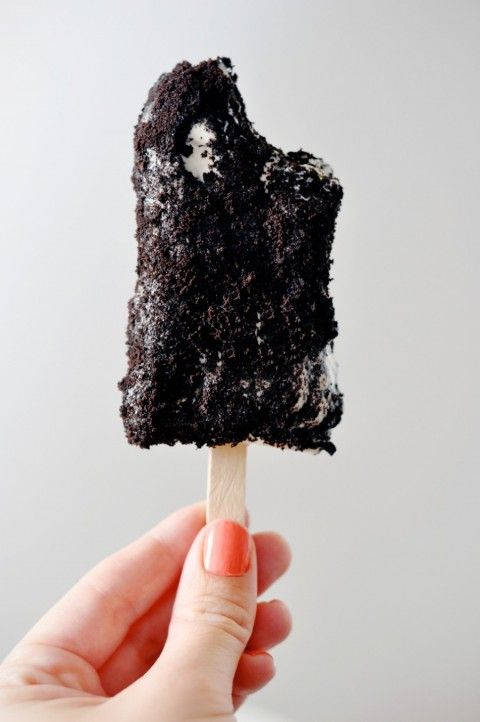 Cookies and Cream Popsicles | lark & linen