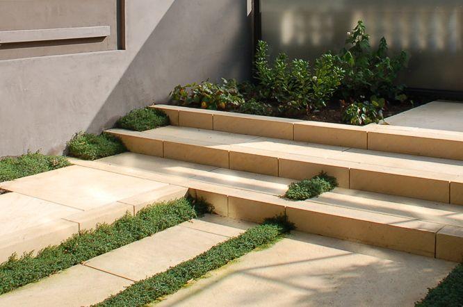 Best Texas Creme Limestone Paving Stairs – Brushed Finish 400 x 300