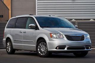 Chrysler S 2013 Town Country Minivan Belongs In Every Family S