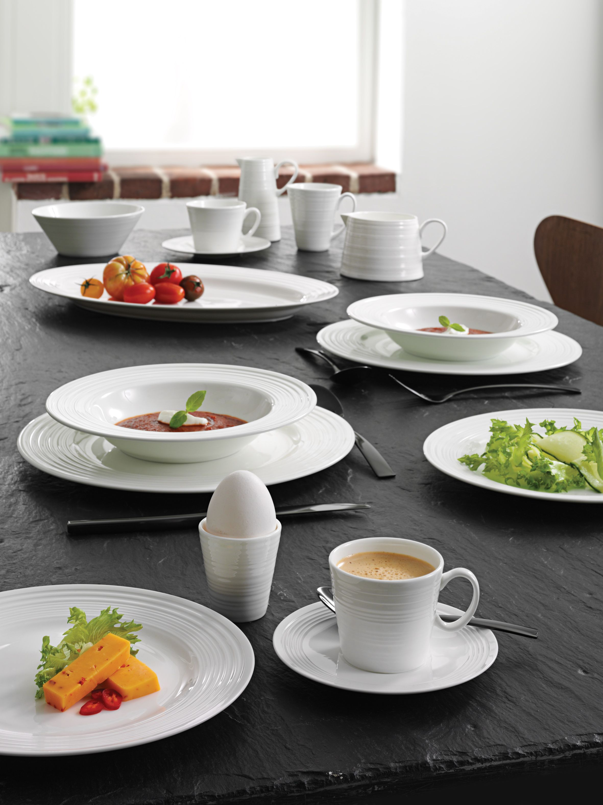 Breakfast with a detail. #breakfast #tablesetting #aida #detail #products #service #white