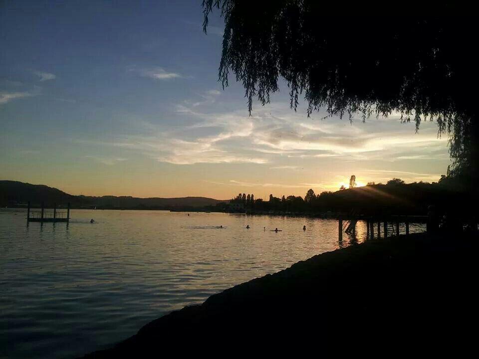 So genug Fußball für heute :-)  Schöne gute Nacht und einen schönen Mittwoch euch allen.  Strandbad Ludwigshafen.