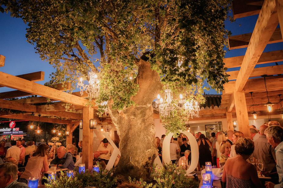 OAK Garden & Grill Steakhouse restaurant in Puerto Banus, Marbella Spain Costa del Sol www.oakgardenandgrill.com