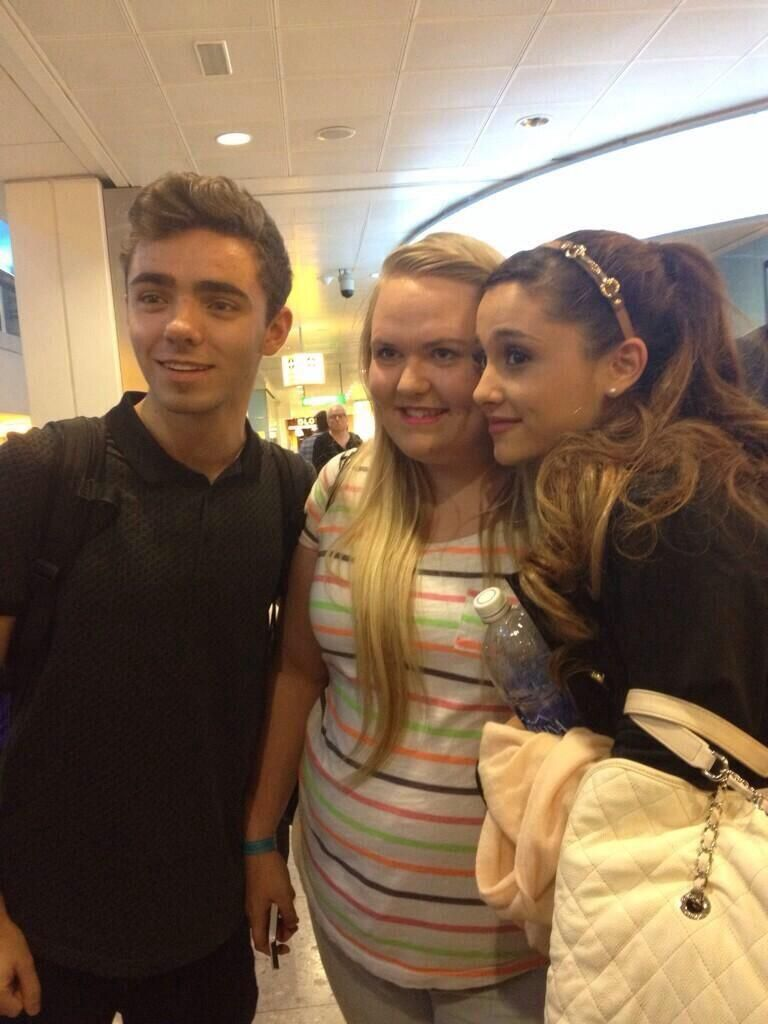 Ariana Grande Nathan Sykestaking Pictures With Fans At Heathrow