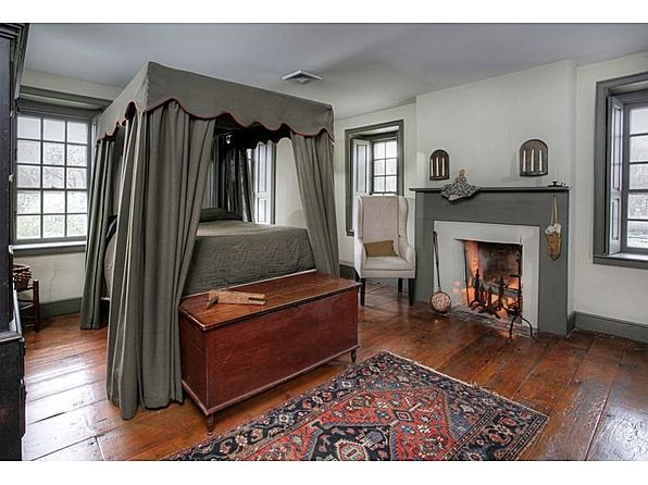 1750 Milford, NJ (With images) Colonial house interior