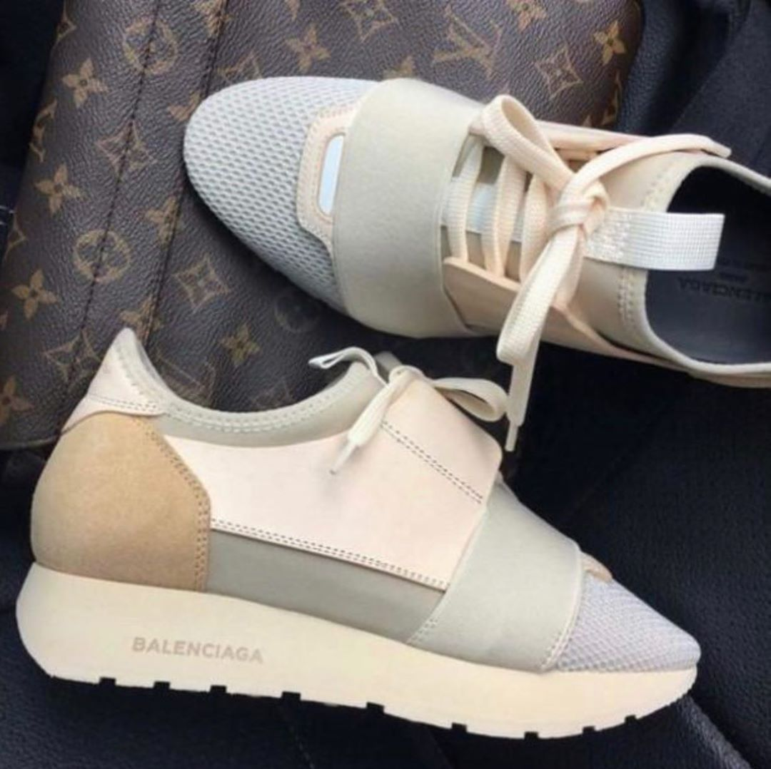 Balenciaga Sneaker Send us a message
