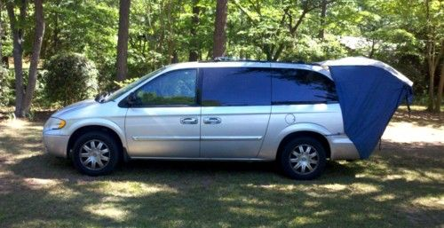 The $350 Do-It-Yourself RV Conversion For Your Minivan ...