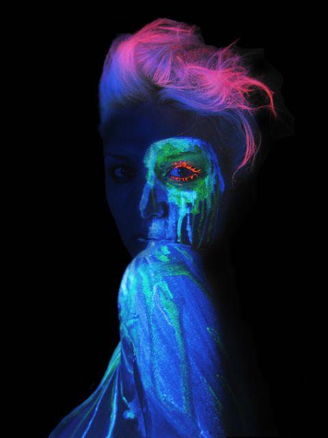 glow in the dark Maquillaje Neon Pinterest Glow, Dark andfun