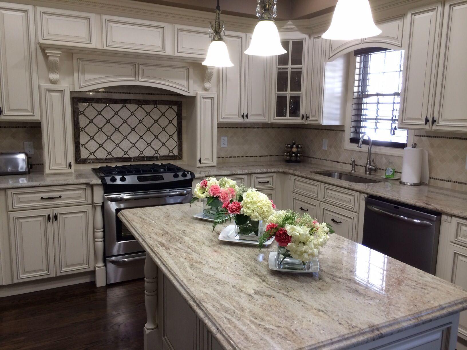 Tsg Signature White With Cream Valentino Granite Top Kitchen Remodel Kitchen Remodel Small Off White Kitchen Cabinets