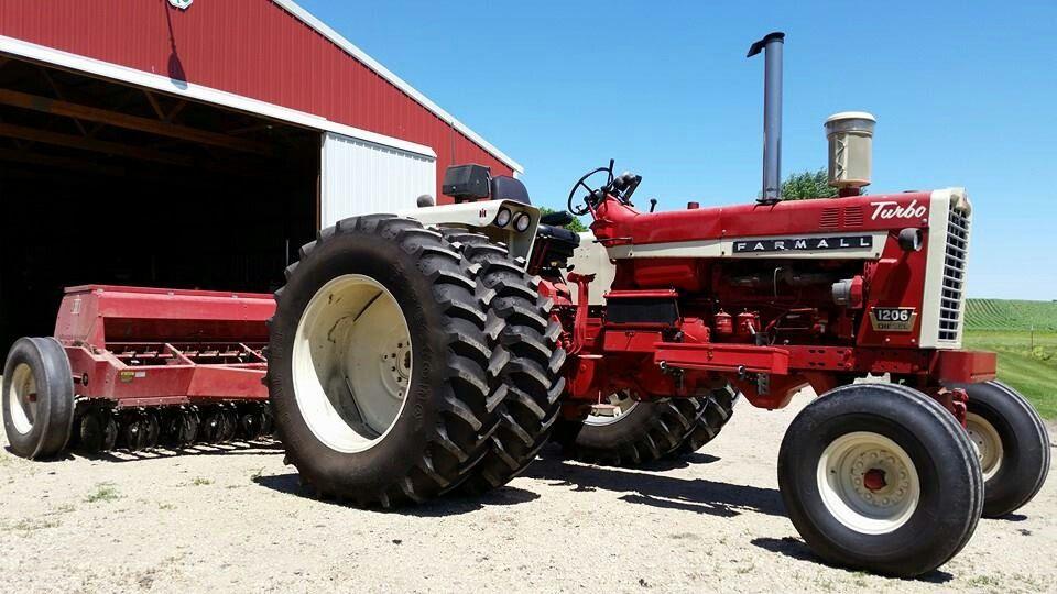 Ih 1206 W Ih Grain Drill Farmall Tractors Farmall International Tractors