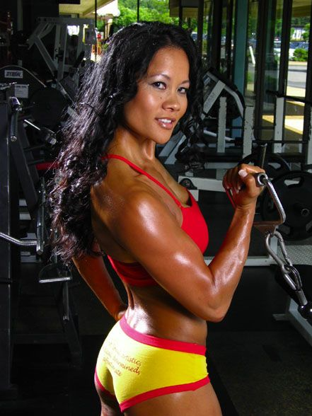 Female Fitness And Bodybuilding Beauties Yvonne Bates