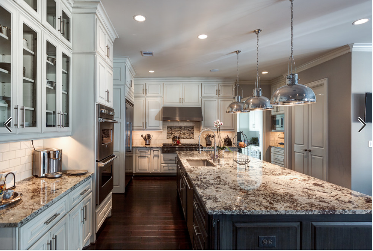Love The Off White Cabinets Dark Island And Granite Backsplash Silver Lights Grani Simple Kitchen Remodel Dark Kitchen Floors Off White Kitchens