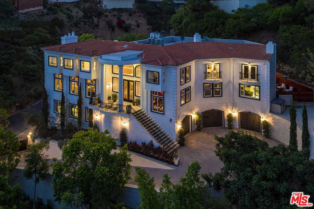Most Expensive Homes In Los Angeles Photos And Prices Zillow Beverly Hills Mansion Mansions Beverly Hills Houses