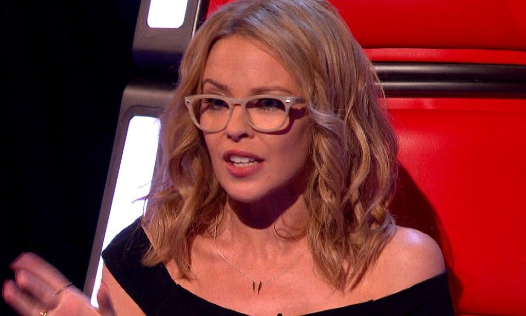 e428490b19 Kylie Minogue wears her reading glasses