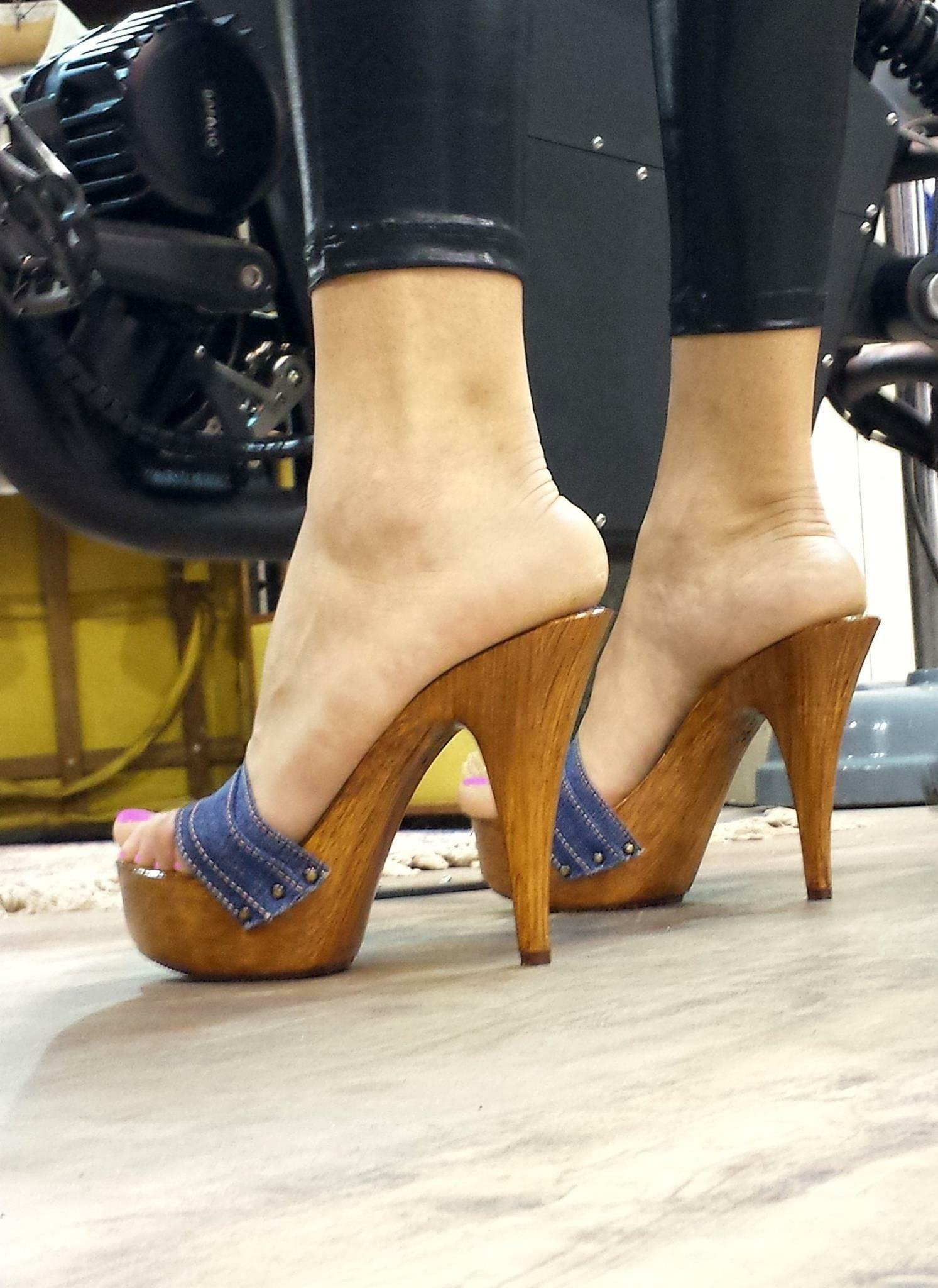 pin by high heels for fashion ideas on platform high heels. Black Bedroom Furniture Sets. Home Design Ideas