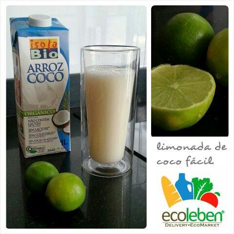 Muy fácil, Solo mezclas la leche (fria) de arroz y coco con el zumo de un limón y obtendras una deliciosa bebida refrescante.