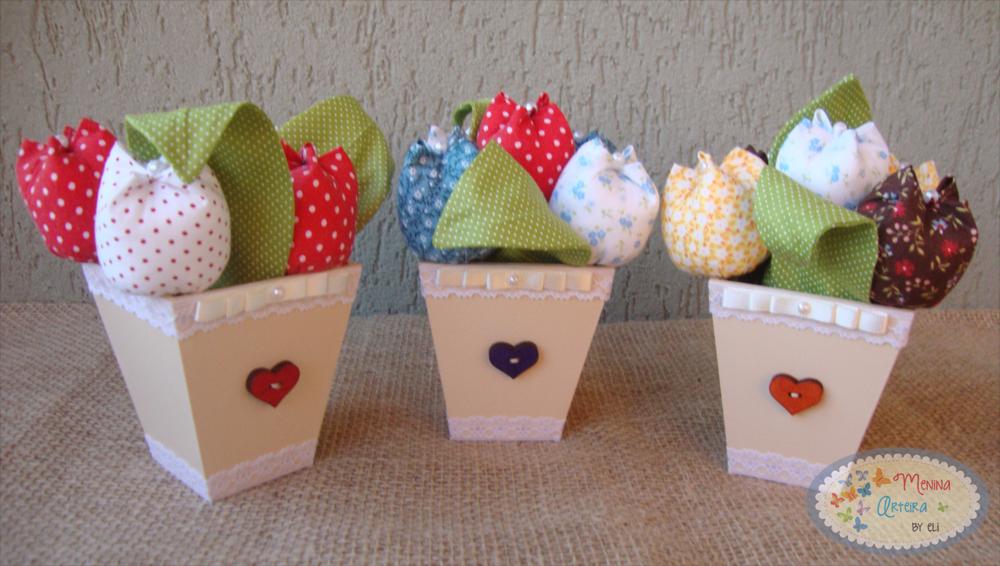 VASINHOS DE TULIPAS #vasinho #tulipadetecido #tecido #enfeite #flordetecido
