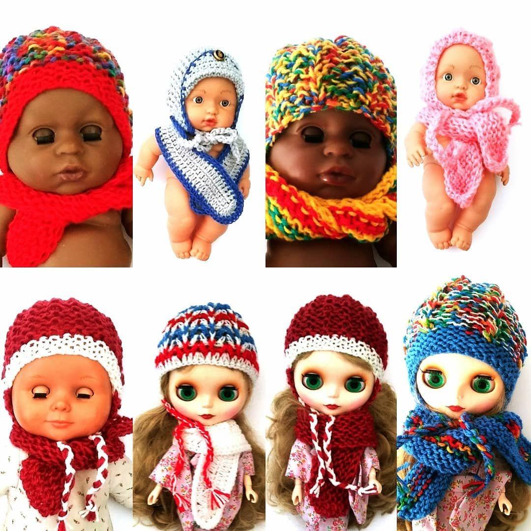 Zima Juz Niedlugo Czas Pomyslec O Cieplej Czapce I Szaliku Dla Twojej Lalki Nowe Wzory Juz Dostepne Na Moim Allegro Pl Nick Doll Clothes Crochet Hats Crochet