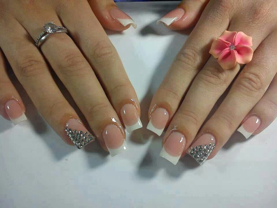 Love the rhinestones on this french! | Nail Art I love | Pinterest ...