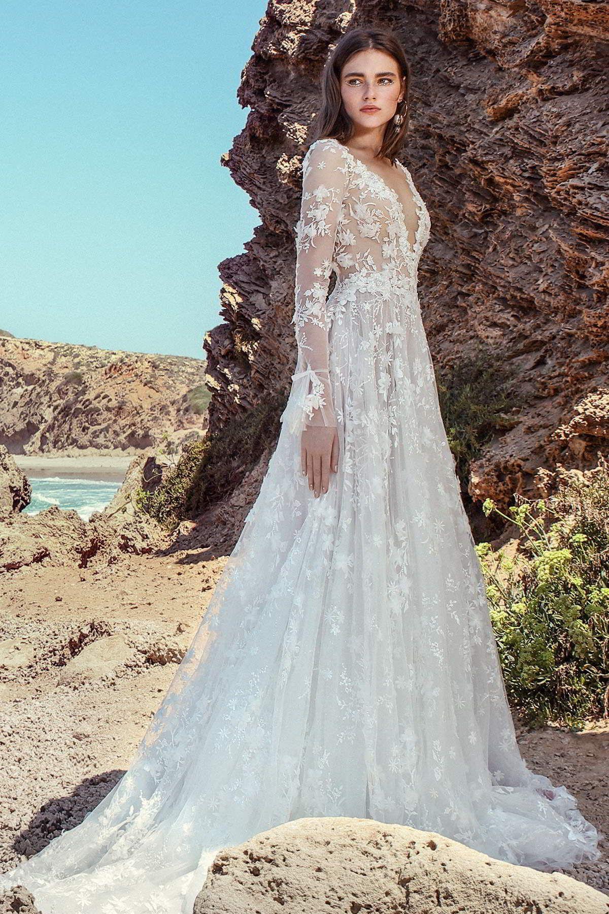 These Gala By Galia Lahav No Ix Wedding Dresses Will Have You Spellbound Wedding Inspirasi Wedding Dress Guide Wedding Dress Trends Wedding Dresses
