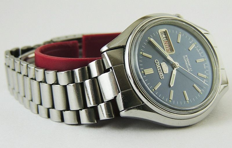 Vintage Seiko 5 Automatic Day Dater Blue Dial Watch Cal 6309