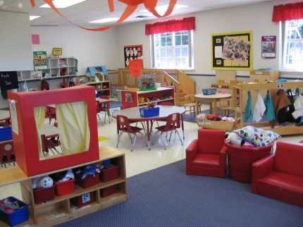 my ideal classroom   windows and half tile/carpet | Learning Centers