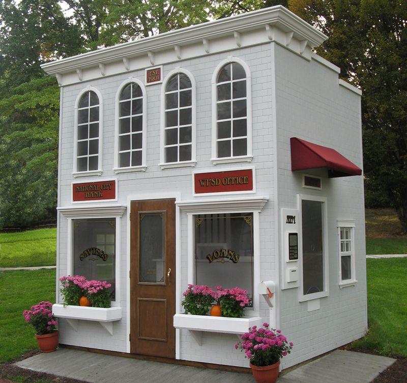 Main Street Bank Features a drive-up window, ATM, vault, teller