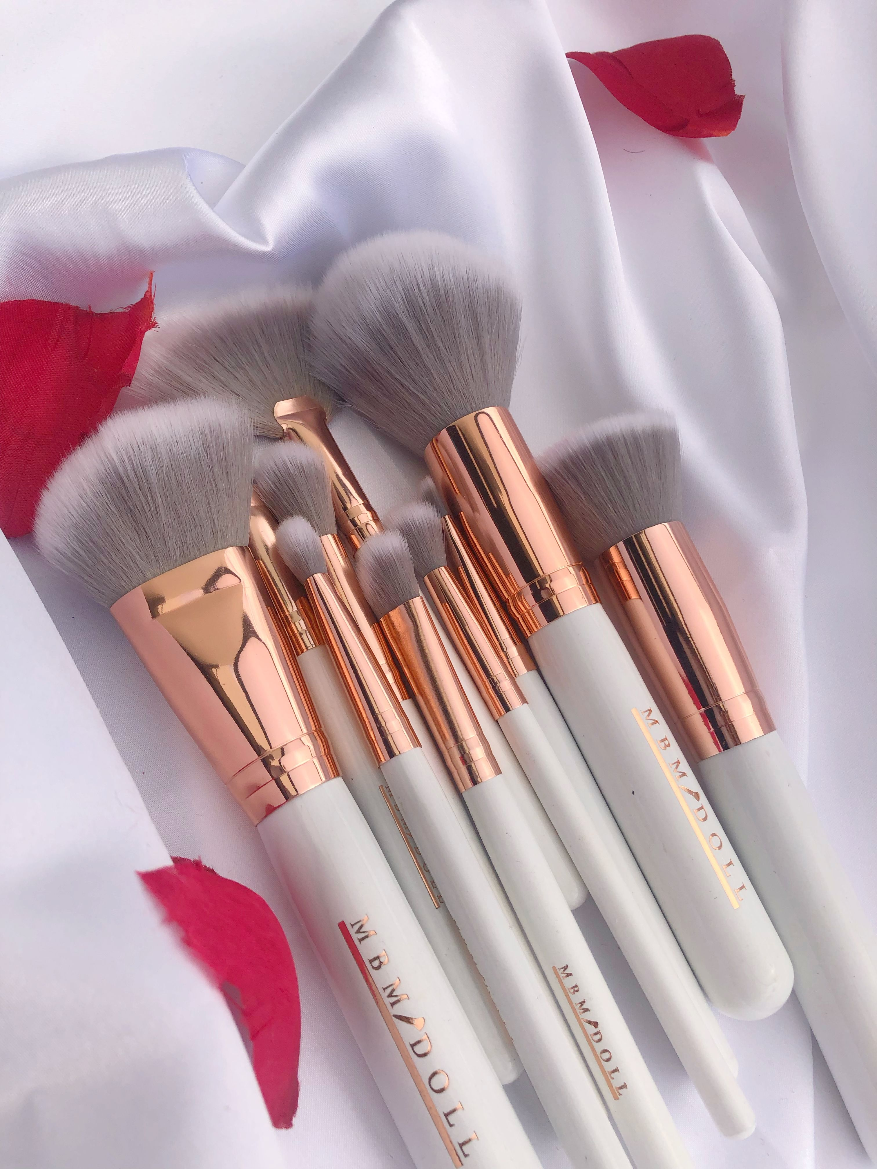 Pin By My Beauty Mark Makeup Academy On Rose Gold Vibes Rose Gold Brushes Rose Gold Brush Set Cruelty Free Makeup Brushes