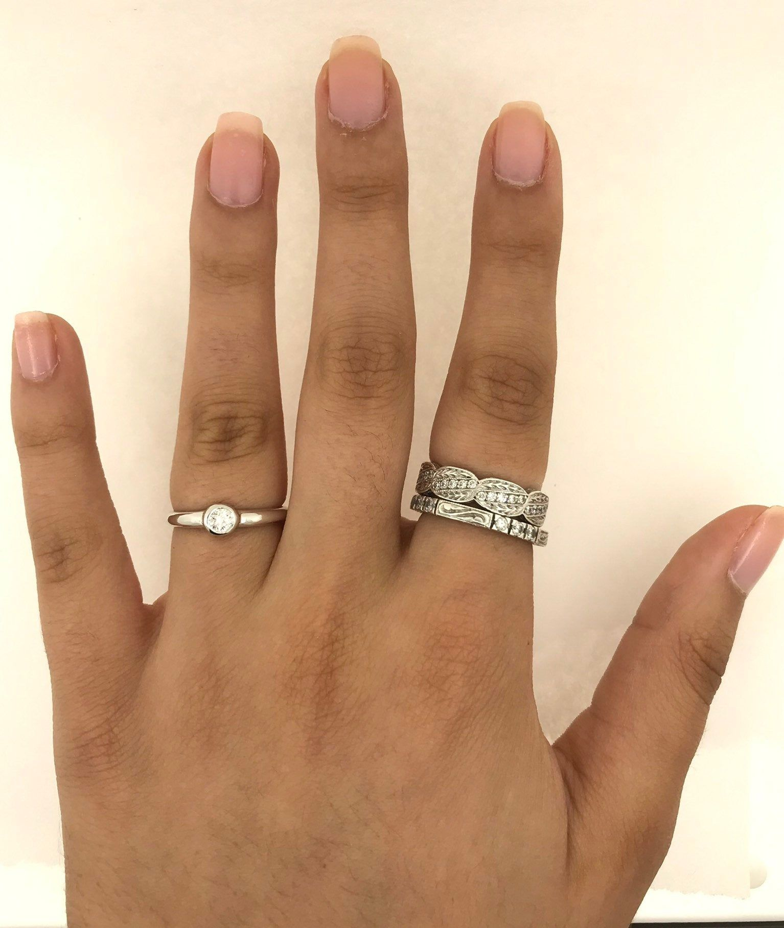 Simple free shape 0,25 carats diamond in 18 karat white gold stackable and solo ring  #jewelry #oneofkind #specialorder #customize #honest #integrity #diamond #gold #rings #weddingband #anniversary #finejewelry #salknight