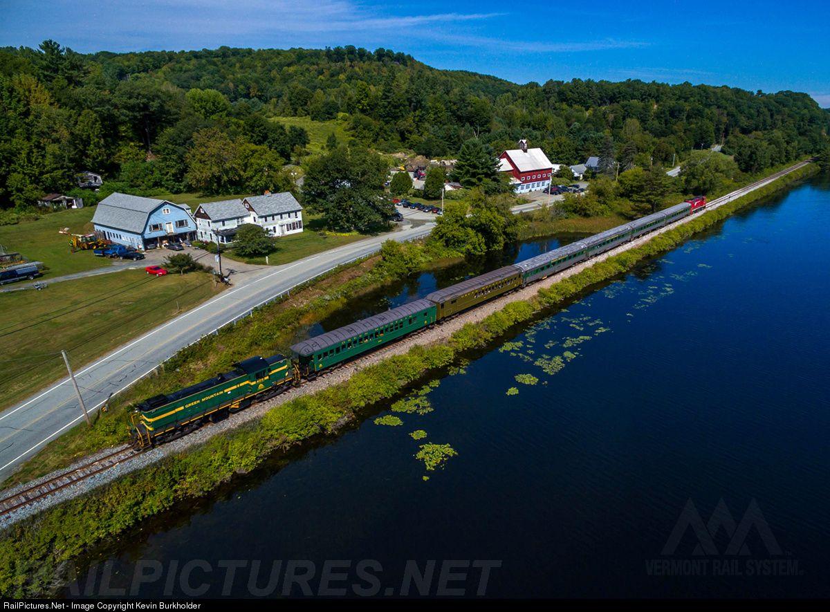 Photo GMRC 405 Vermont Rail System Alco