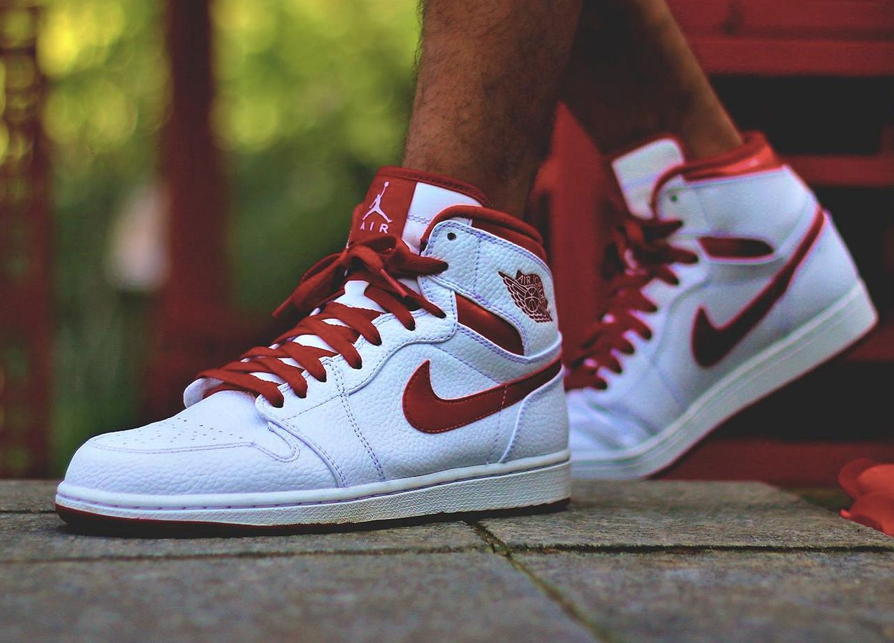 Nike Air Jordan 1 Do The Right Thing Pack - White/Metallic Red - 2009