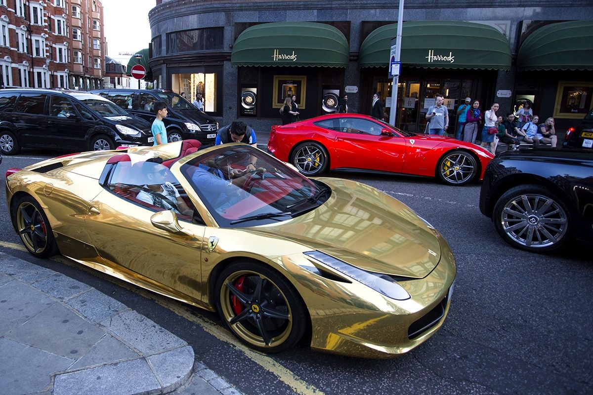 Gold Ferraris And Bodacious Bugattis How London Became A Supercar Mecca Super Cars Cars Uk Most Expensive Car