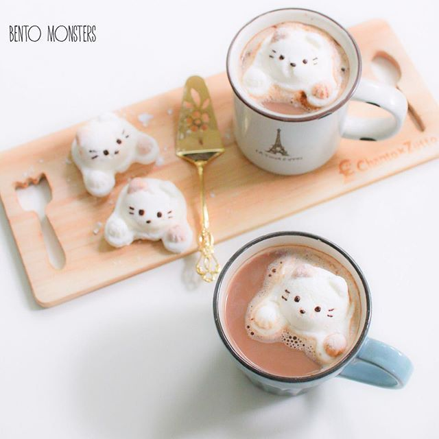 Made my own Kitty marshmallows. ☕☕️️